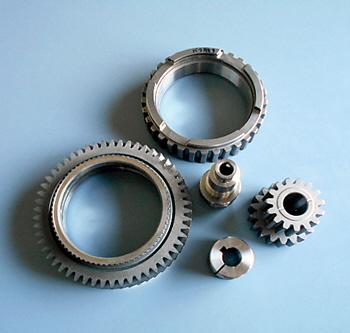 歯車やシャフトなど常時約200種類の部品を製造