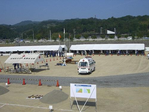 テントを使用した会場設置例